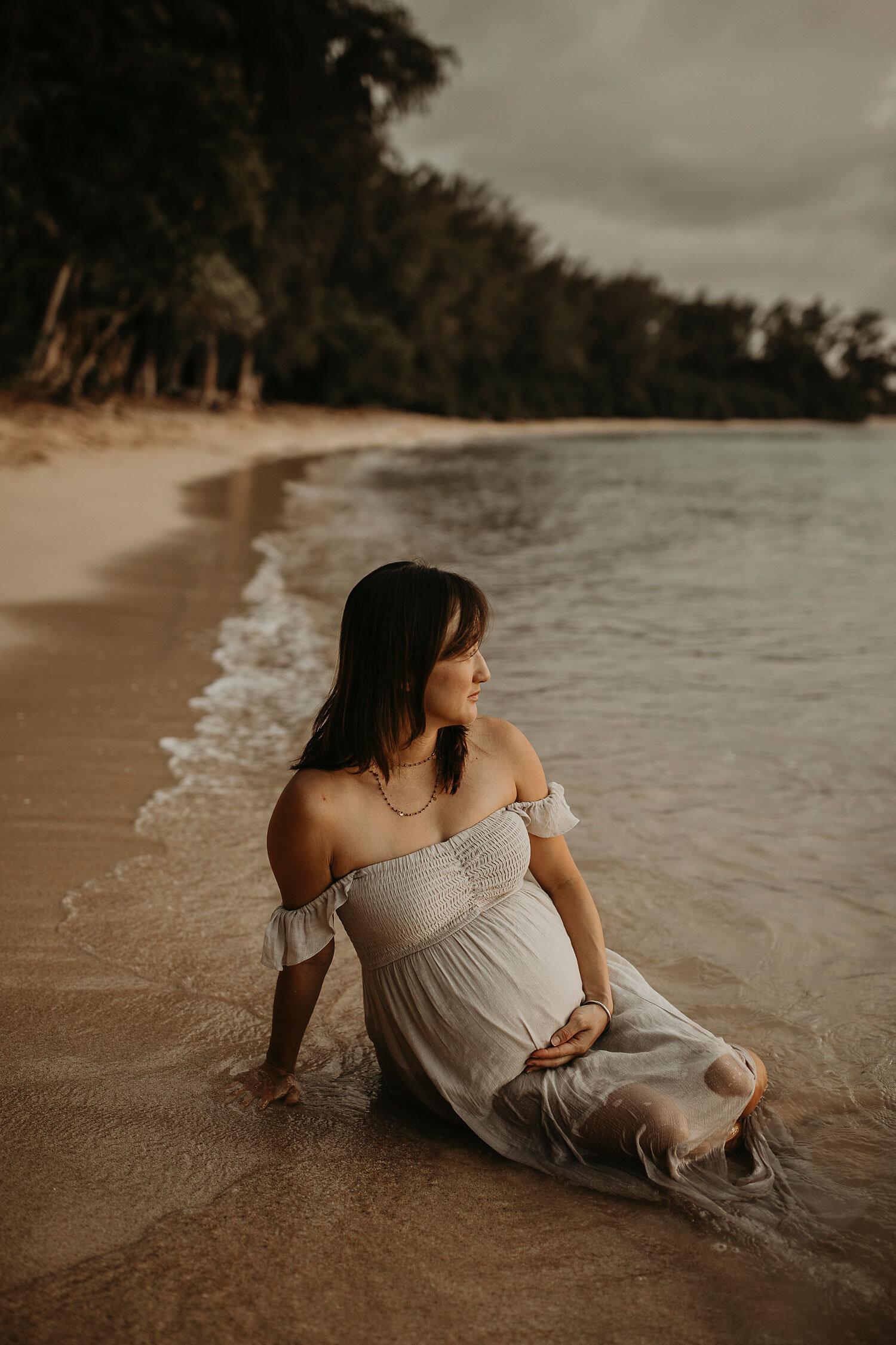 Oahu-Hawaii-North-Shore-Maternity-Photography-The-Sophia-Co-33.jpg