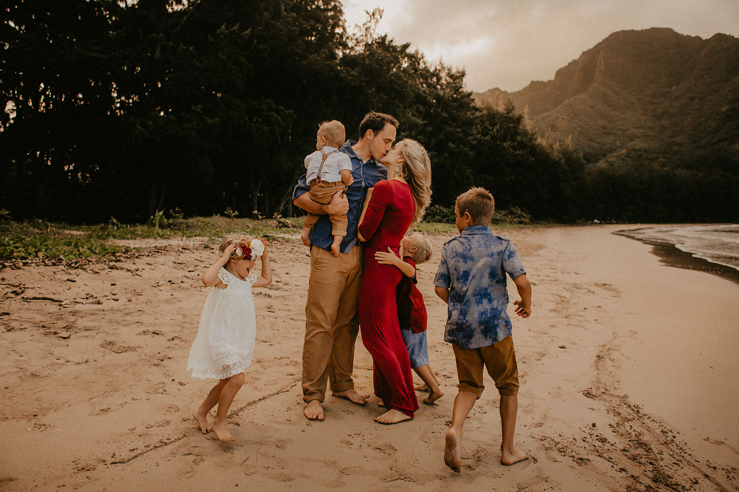Oahu-Hawaii-Family-Photography-The-Sophia-Co-09.jpg