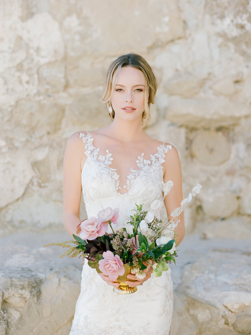 Spanish Mission Style Wedding Ideas Summer Flowers Finding Flora San Juan Capistrano European Venues California Bride Centerpiece Lunaria
