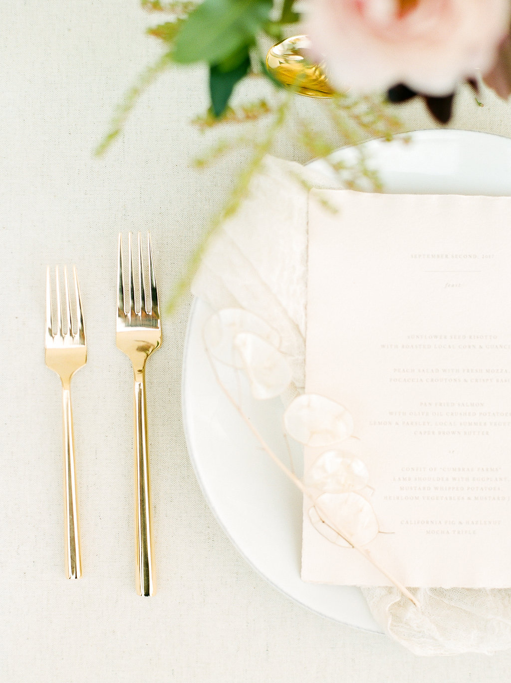 Spanish Mission Style Wedding Ideas Bridal Accessories Summer Flowers Finding Flora Wedding Sparrow Fine Art Flourish Calligraphy Invites Stationery San Juan Capistrano Tablescape Gold Forks