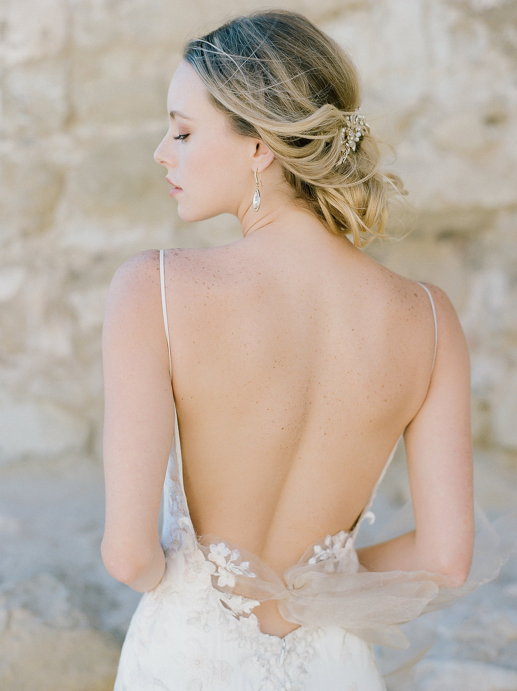 Spanish Mission Style Wedding Ideas Summer Flowers Finding Flora San Juan Capistrano European Venues California Wedding Dress Claire Pettibone Bridal Hair