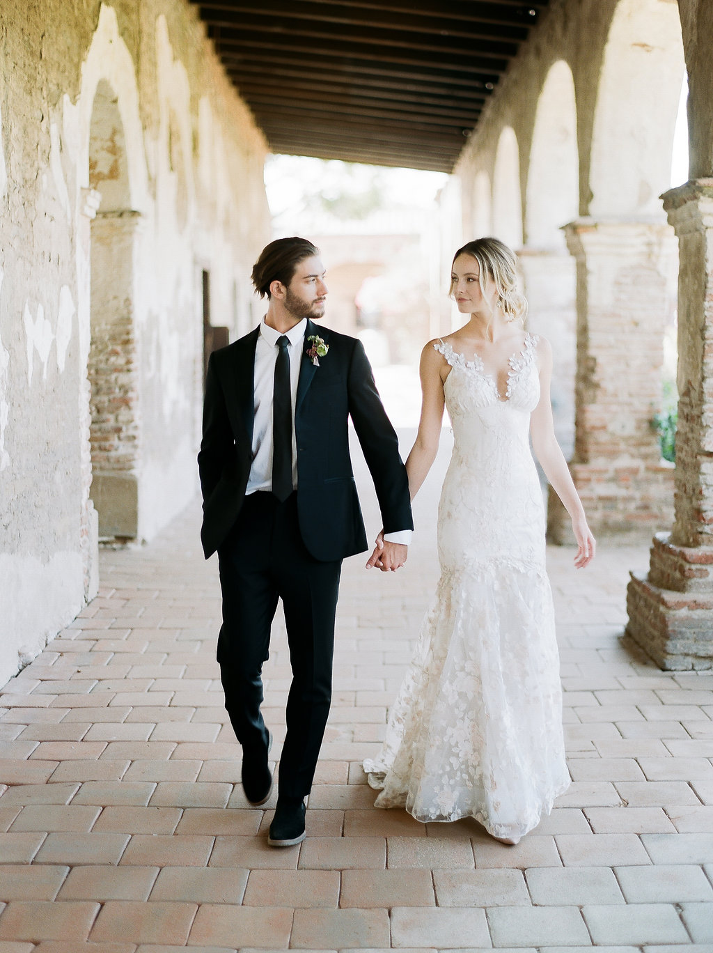 Spanish Mission Style Wedding Ideas Summer Flowers Finding Flora San Juan Capistrano European Venues California Claire Pettibone Wedding Dress