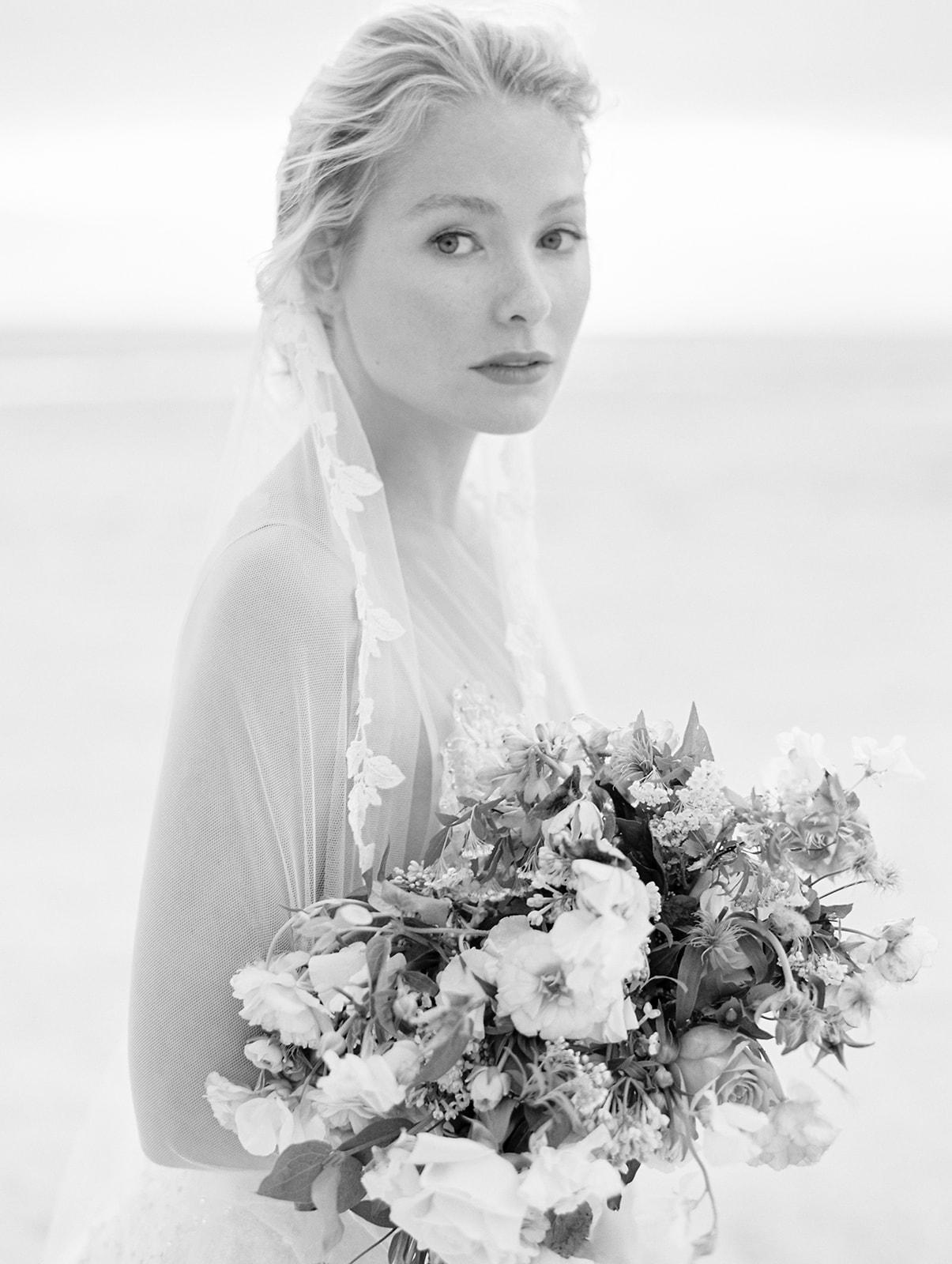 Black and white romantic wedding inspiration