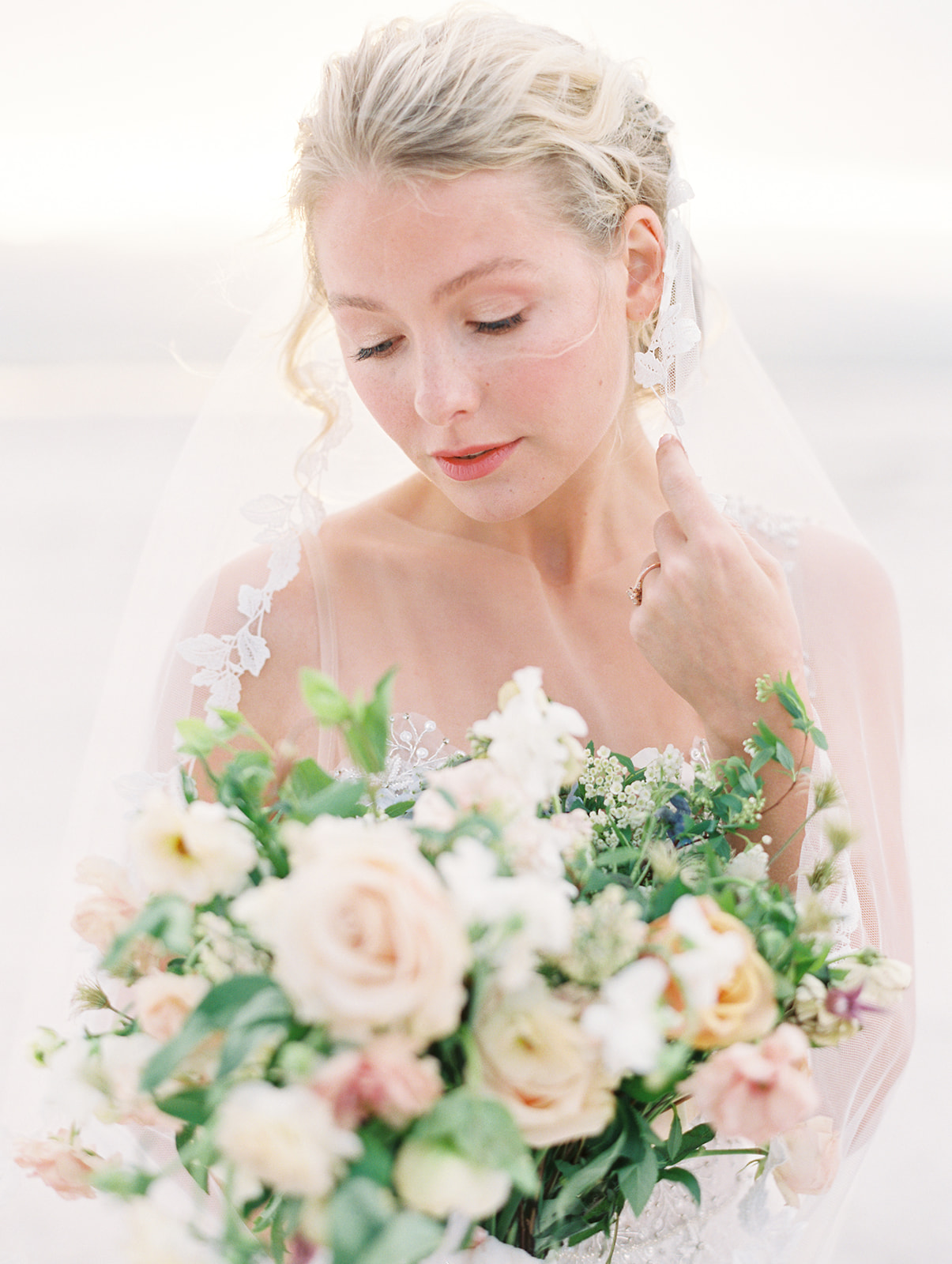 ETHEREAL WEDDING INSPIRATION IN THE DESERT -