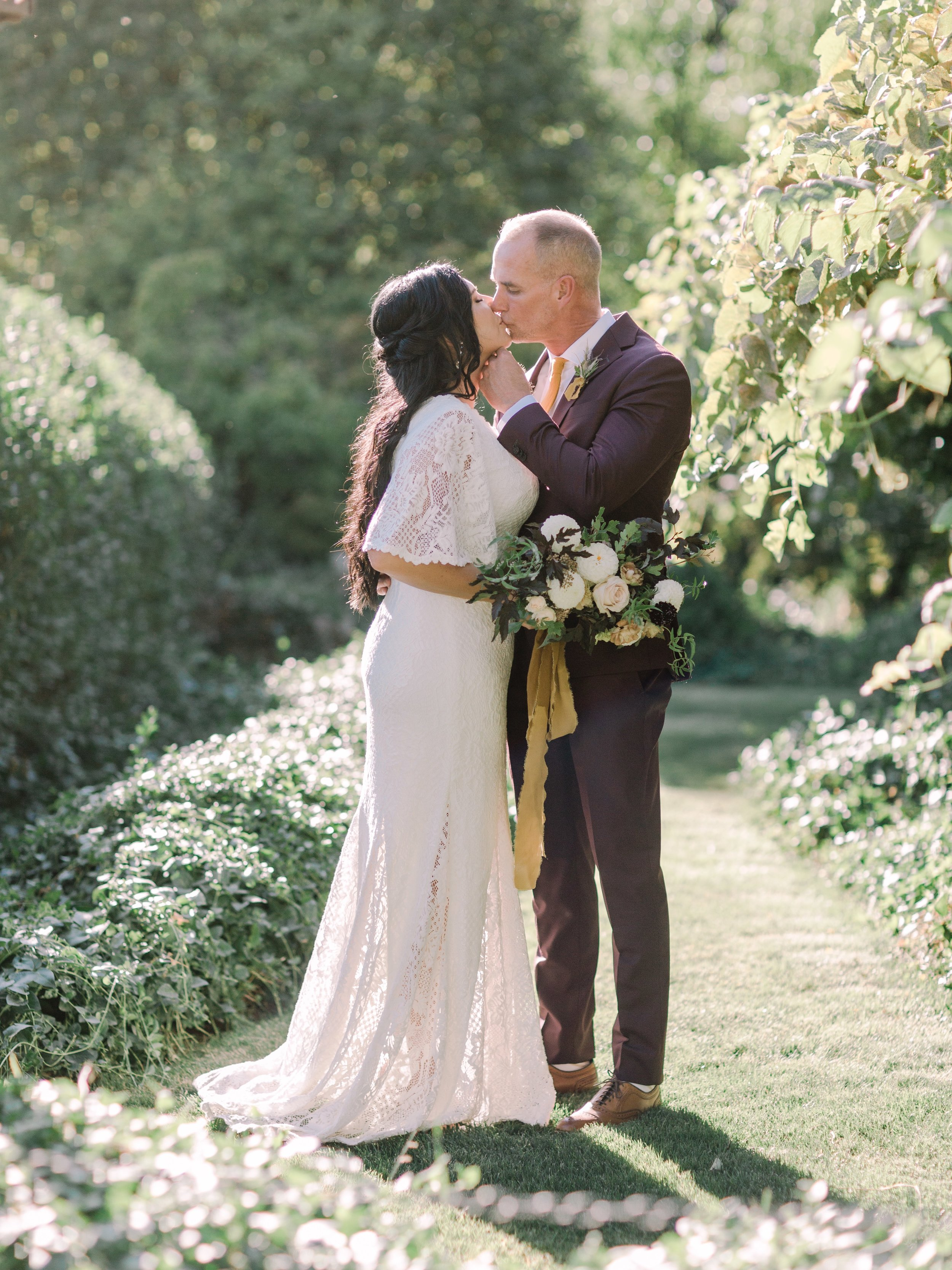 An intimate, al fresco wedding with hints of burgundy, gold and ivory in Utah