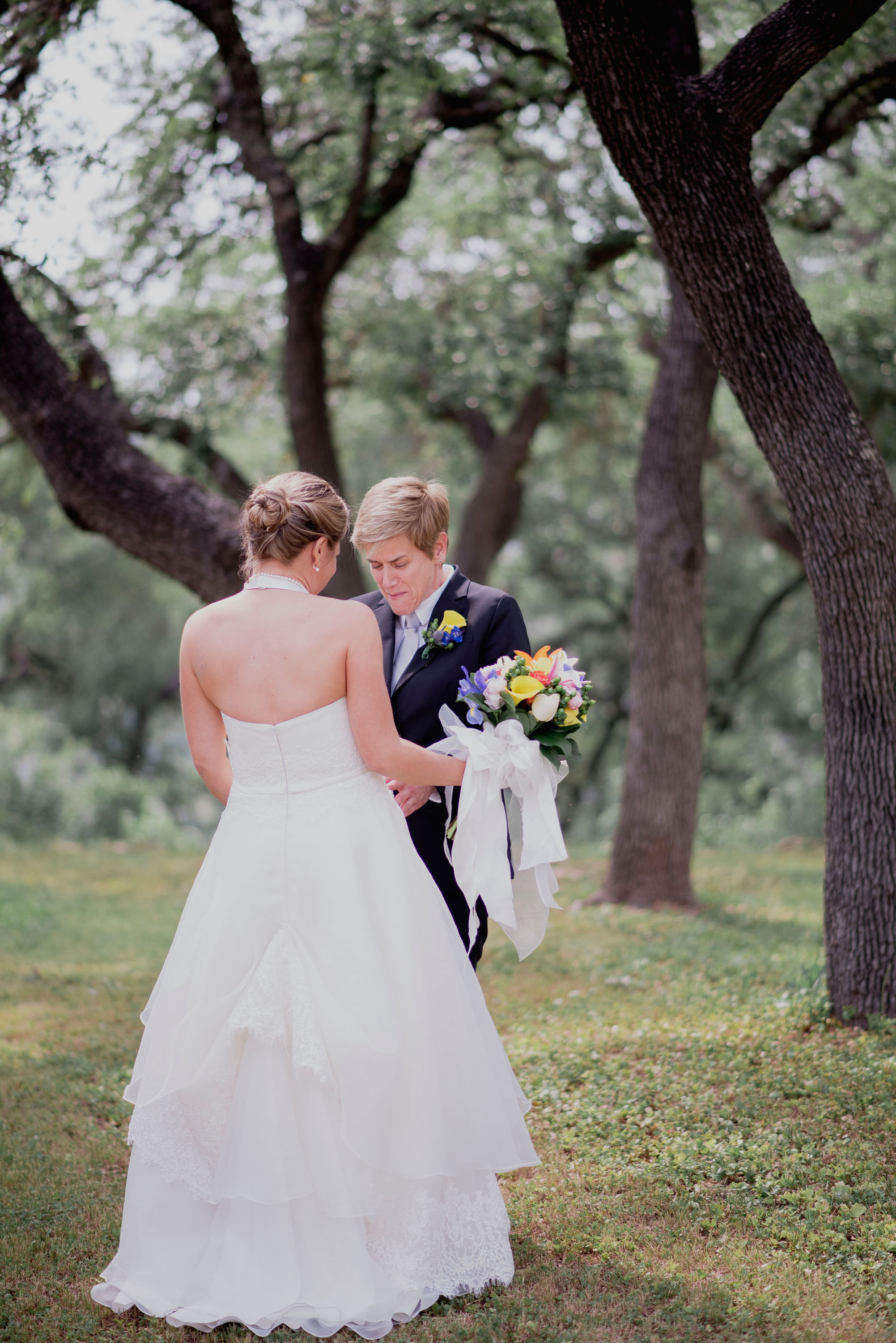 Austin Wedding Photographer Hacienda Del Lago LBGT Elegant015.jpg