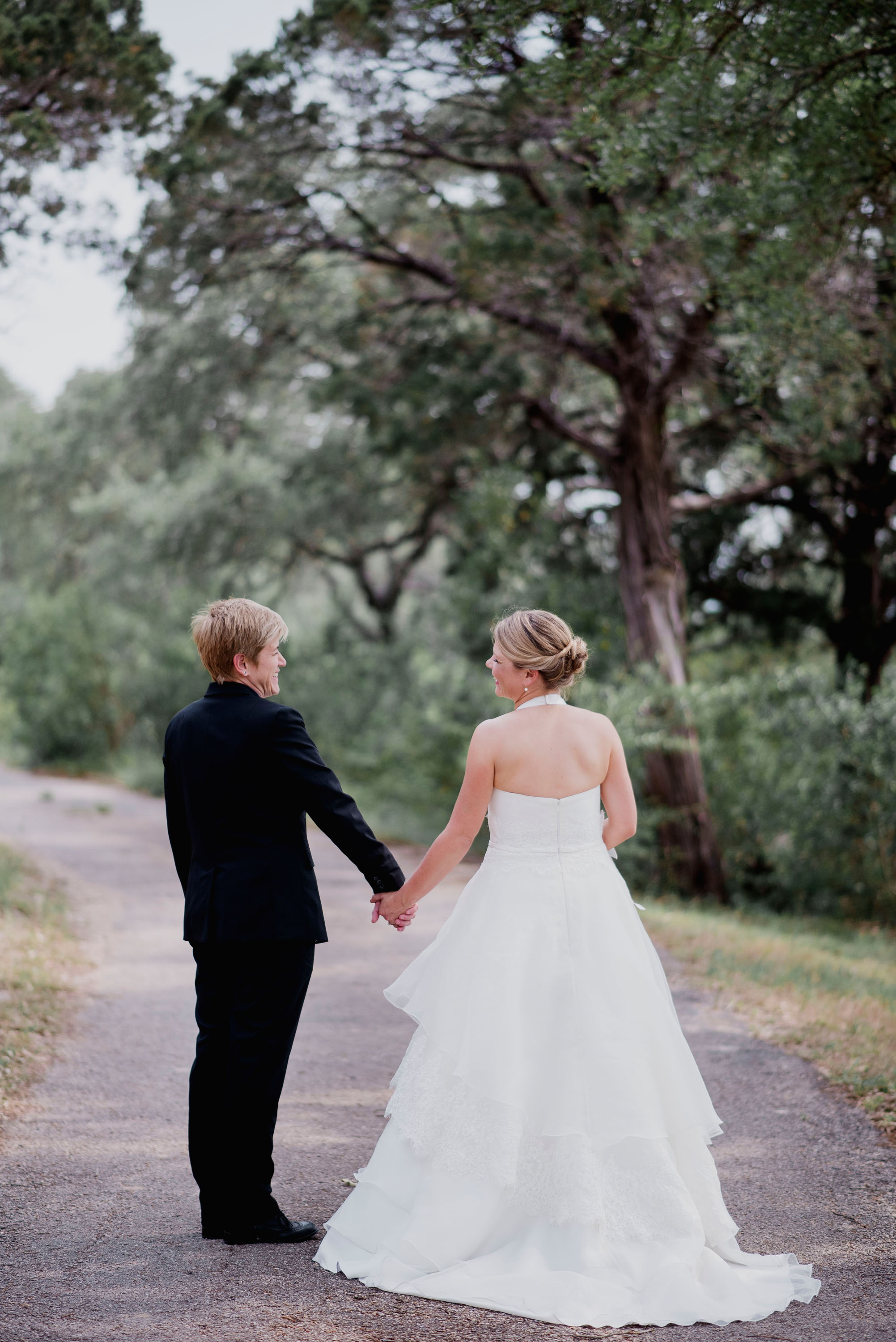 Austin Wedding Photographer Hacienda Del Lago LBGT Elegant025.jpg
