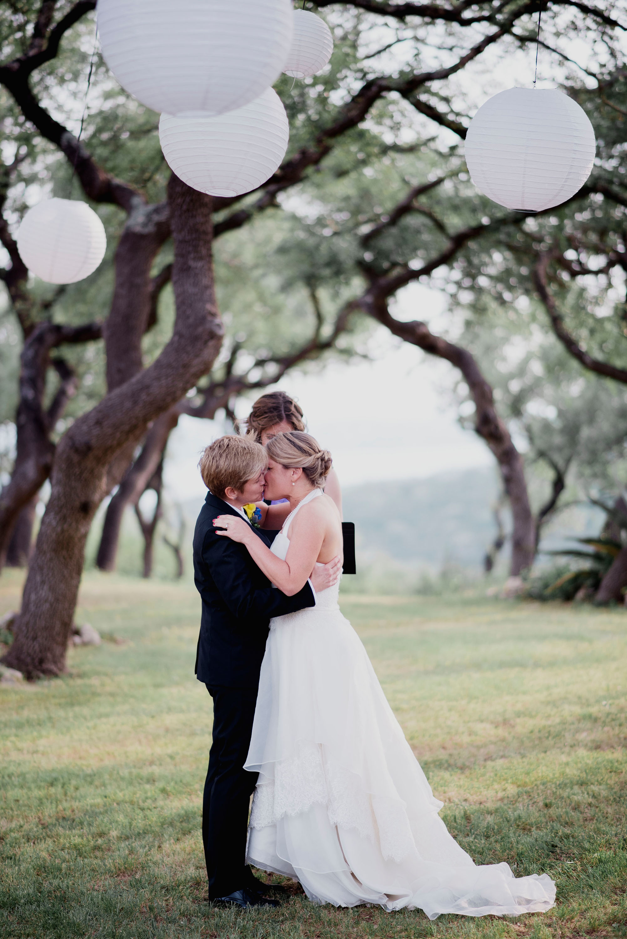 Austin Wedding Photographer Hacienda Del Lago LBGT Elegant034.jpg
