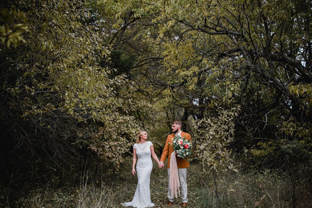 Kansas City Photographer Boho Barn Wedding at Heritage Ranch011.jpg