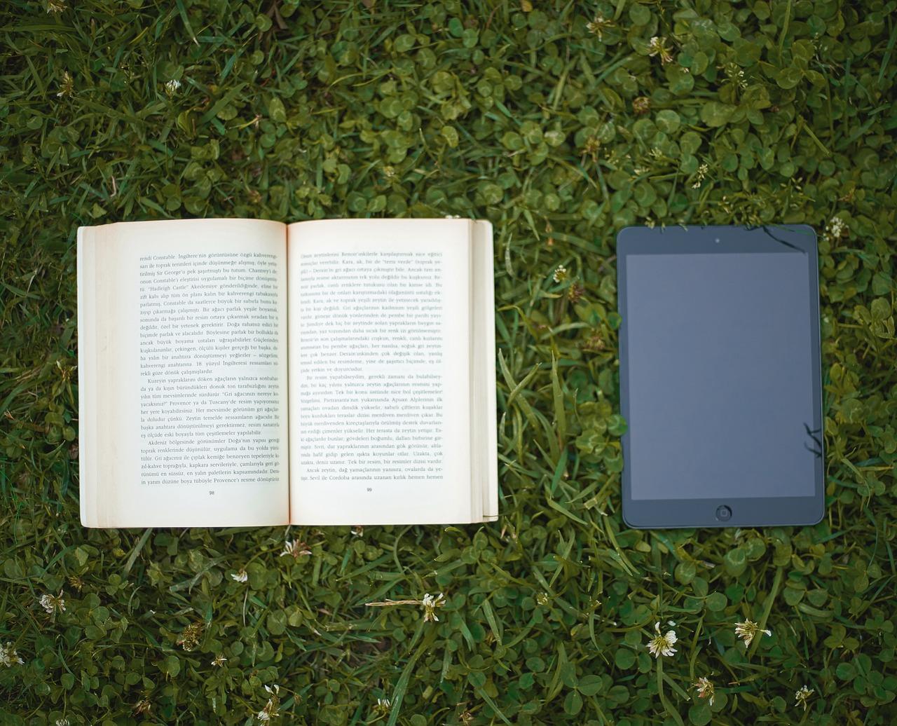 book-2614756_1280.jpg