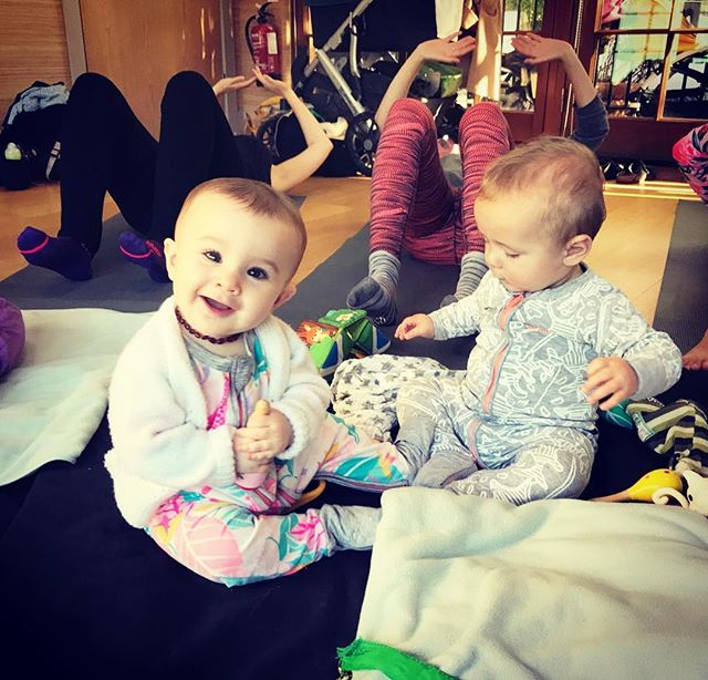 Little one got to come with to class today which she looks quite pleased about.. possibly also pleased that her boyfriend got the wondersuit memo 😬 I'm bowled over by the incredible progress these mums are making in the Low Pressure Fitness work I've been combining with Pilates. Mega thanks as always to @corinne_frankiepants for keeping the calm @zenyogalondonse5  Happy Tuesday xx