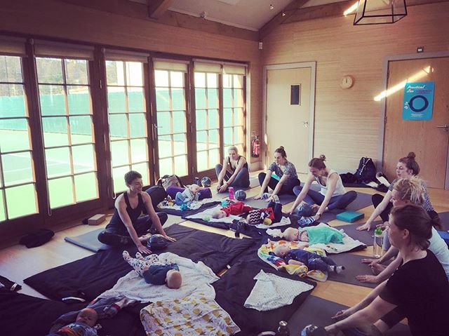 These awesome mamas and gorgeous babes in such beautiful light in the studio today 💛 📸 @corinne_frankiepants 🙌🏼 thank you for bringing all the zen this morning, absolute treat having you and baby T in the space with us xxx