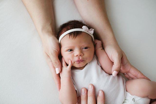 Sweet Indie, you have the most beautiful eyes! . . . . . #babyphotography #babyphotographer #arizona #az #arizonaphotographer #newborn #family #familyphotos #vsco #lookslikefilm #clickpro #childphotography #maternity #pregnancy #clickmagazine #mozimag #letsclicksoc #newborn #white #baby