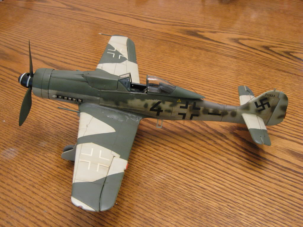 Revell FW-190 D9 old tool 1/32nd scale, kit #1. Photo 1 of 2.