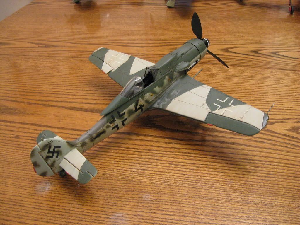 Revell FW-190 D9 old tool 1/32nd scale, kit #1. Photo 2 of 2.