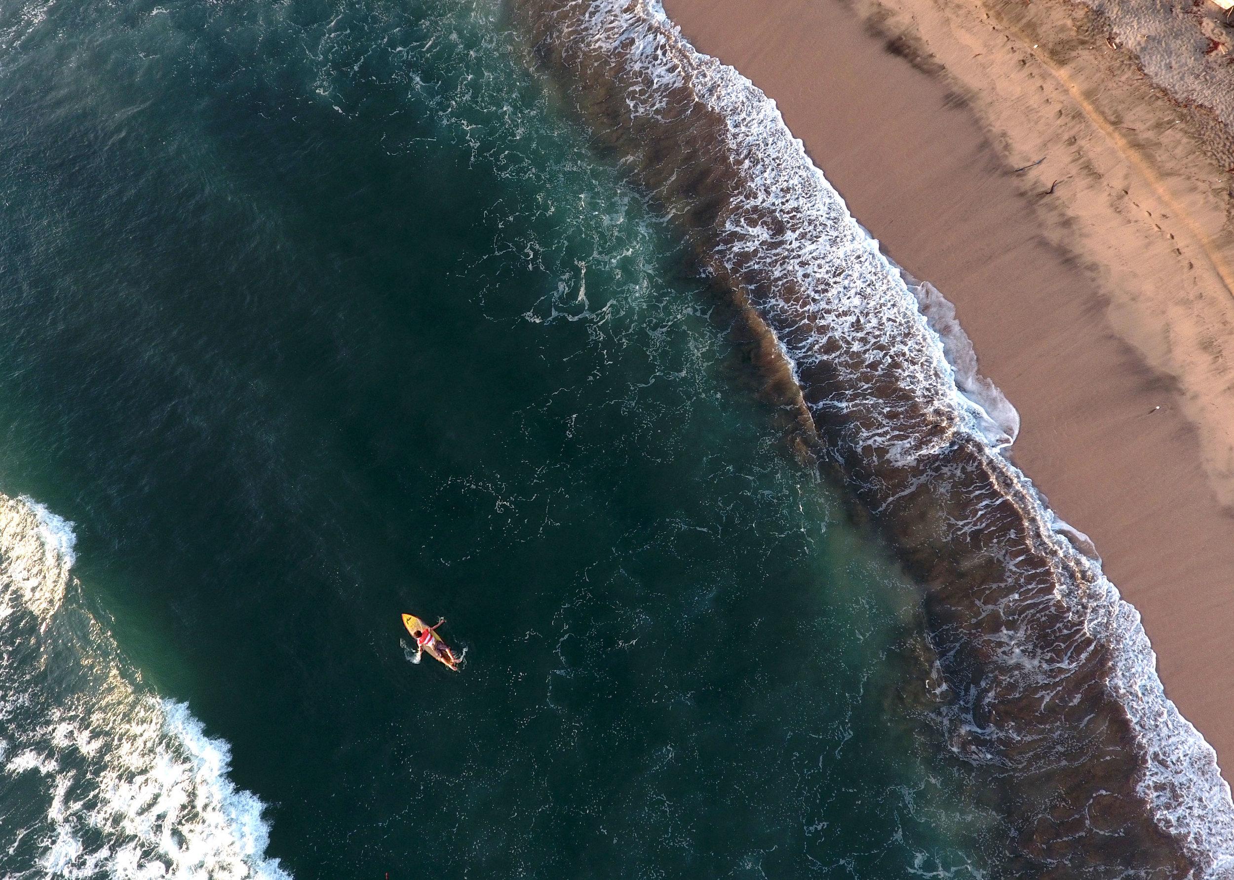 surfing kid callejones.jpg