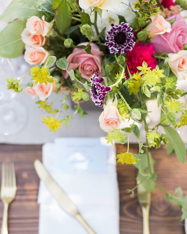 Summer color! Pop pop ⠀⠀⠀⠀⠀⠀⠀⠀⠀ Photographer @jenphilipsphoto ⠀⠀⠀⠀⠀⠀⠀⠀⠀ Planner @napavalleycustomevents⠀⠀⠀⠀⠀⠀⠀⠀⠀ Flowers @michaeldaigiandesign⠀⠀⠀⠀⠀⠀⠀⠀⠀ •⠀⠀⠀⠀⠀⠀⠀⠀⠀ •⠀⠀⠀⠀⠀⠀⠀⠀⠀ •⠀⠀⠀⠀⠀⠀⠀⠀⠀ •⠀⠀⠀⠀⠀⠀⠀⠀⠀ •⠀⠀⠀⠀⠀⠀⠀⠀⠀ •⠀⠀⠀⠀⠀⠀⠀⠀⠀ •⠀⠀⠀⠀⠀⠀⠀⠀⠀ •  #centerpieceideas #summercolors #winecountrywedding #weddings #bridal #weddingflowers #flowersofinstagram #floralarrangements #floralart #flowergram #sanfranciscoflorists #bayareaflorists #sanfrancisco #sanfranciscoweddings #design #floraldesign #eventdesign #weddingplanning #classicweddings #modernweddings #blooms #colorpalette #centerpieces #bridalinspiration #luxuryweddings #michaeldaigiandesign