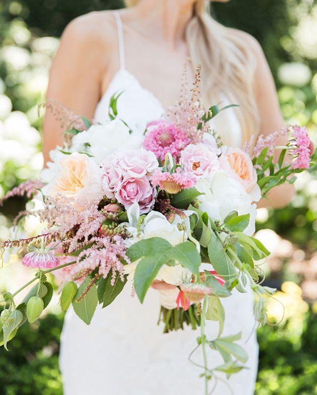 The prettiest 🌸⠀⠀⠀⠀⠀⠀⠀⠀⠀ Photographer @jenphilipsphoto ⠀⠀⠀⠀⠀⠀⠀⠀⠀ Planner @napavalleycustomevents⠀⠀⠀⠀⠀⠀⠀⠀⠀ Flowers @michaeldaigiandesign⠀⠀⠀⠀⠀⠀⠀⠀⠀ •⠀⠀⠀⠀⠀⠀⠀⠀⠀ •⠀⠀⠀⠀⠀⠀⠀⠀⠀ •⠀⠀⠀⠀⠀⠀⠀⠀⠀ •⠀⠀⠀⠀⠀⠀⠀⠀⠀ •⠀⠀⠀⠀⠀⠀⠀⠀⠀ •⠀⠀⠀⠀⠀⠀⠀⠀⠀ •⠀⠀⠀⠀⠀⠀⠀⠀⠀ •  #weddings #bridal #bridalbouquet #summerbouquet #winecountrywedding #weddingflowers #flowersofinstagram #floralarrangements #floralart #flowergram #sanfranciscoflorists #bayareaflorists #sanfrancisco #sanfranciscoweddings #design #floraldesign #eventdesign #weddingplanning #classicweddings #modernweddings #blooms #colorpalette #centerpieces #bridalinspiration #luxuryweddings #michaeldaigiandesign