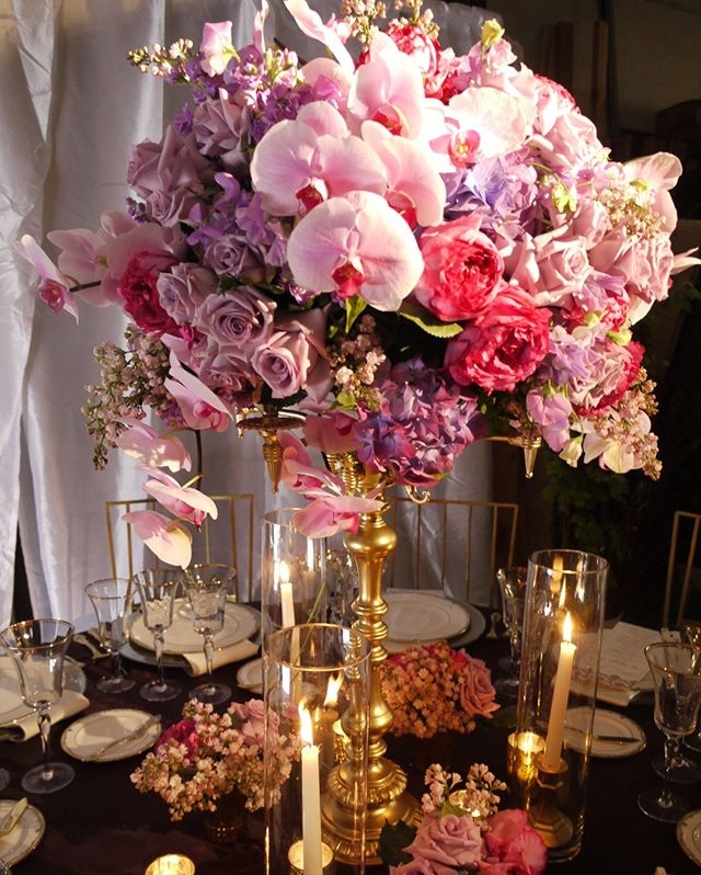 Pretty in pink! Fancy phaels and all the gold trimmings for this glam dinner event! ⠀⠀⠀⠀⠀⠀⠀⠀⠀ •⠀⠀⠀⠀⠀⠀⠀⠀⠀ •⠀⠀⠀⠀⠀⠀⠀⠀⠀ •⠀⠀⠀⠀⠀⠀⠀⠀⠀ •⠀⠀⠀⠀⠀⠀⠀⠀⠀ •⠀⠀⠀⠀⠀⠀⠀⠀⠀ •⠀⠀⠀⠀⠀⠀⠀⠀⠀ •⠀⠀⠀⠀⠀⠀⠀⠀⠀ • ⠀⠀⠀⠀⠀⠀⠀⠀⠀ #centerpieceideas #pinkcenterpiece #event #eventflowers #eventplanner #eventdesign #flowersofinstagram #floralarrangement #design #color #colorpalette #inpiration #floweroftheday #flowergram #bayareaflorist #flowersofinstagram #floralart #floral installation
