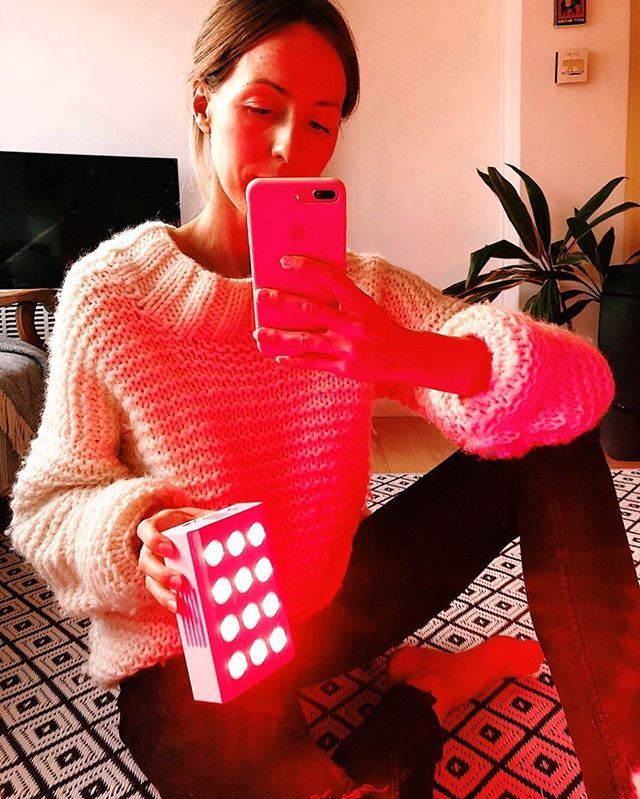 "R E D L I G H T  T H E R A P Y 🔥- has anyone tried it? why am I using it?? • I've been hearing about the benefits of red light therapy for months and been pretty intrigued by them, so I've done some research and found this brand @joovvsocial that specialises in red light devices of all different shapes and sizes. Basically what I'm learning is that exposing your body to redlight 3-6inches away is anti-aging and great for boosting cognition & reducing pain. 🤯 I know right! Perfect for MS 🙏🏼 • ""Natural redlight powers your cells. A redlight therapy device like Joovv delivers red and near infrared wavelengths directly to your body with medical grade LEDS's. These photons of natural therapeutic light produce a chemical reaction in the mitochondria of your cells that produce energy production and regeneration. The two primary effects are... • → Decrease in oxidation and increase in ATP (adenosine triphosphate) energy in our cells. & → Enhanced cell signalling"" • In a nutshell red light therapy is epic for... - Collagen production, skin tone and texture, anti-aging & fine lines - Excelerates wound healing, great for scars, blemishes and acne - Reduces inflammation - Muscle recovery - Muscle and joint pain - Melatonin production and sleep - Enhances cognition 🧠 + much more. • I've been using my little Joovv Go for about a week now, this one is just designed for wound healing and anti aging but I swear it's mood boosting as well, my blemishes are healing almost over night. I've also noticed a reduction in redness in my face and an overall clearer, healthier looking complexion. My one is portable so great for travel but all the other Joovv devices work on pain which I can't wait to try one day! Less pain after workouts would make my life!! 💪🏼 • Currently putting a blog post together (linking to studies) with more info for ya! Xx"