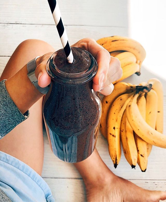 I had to take a break off social for a while because I've been sick as a dog, not MS related so all good there 👍🏼 and starting to come out of it now, I think, hope!🤞🏼... literally the first smoothie I've had in about 4 weeks! so sick of toast! 🥖and so ready for fruit and veges again! 🌿...this one has kale, banana, mango, açai powder, hemp seeds, chia seeds, coconut water 💦 #hydrating #detoxifying #delicious #vitamins #minerals #fruitsmoothie