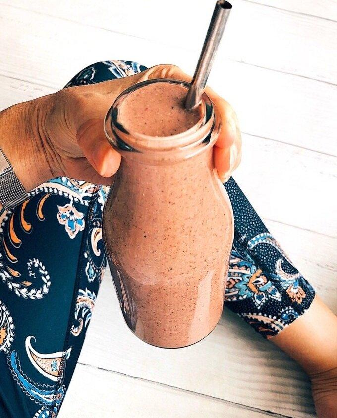 Strawberry, banana, cacao smoothie