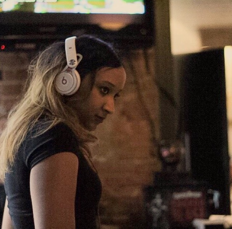 Female DJ workout playlist September 2016.