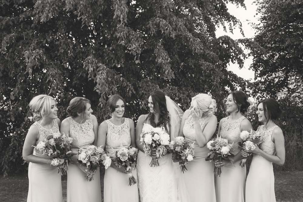 Lovely bridesmaids photography very Instagram having fun