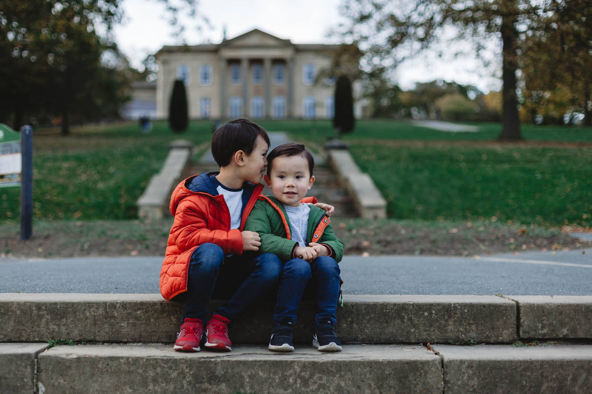 Siblings autumn mini sessions roundhay park 2019