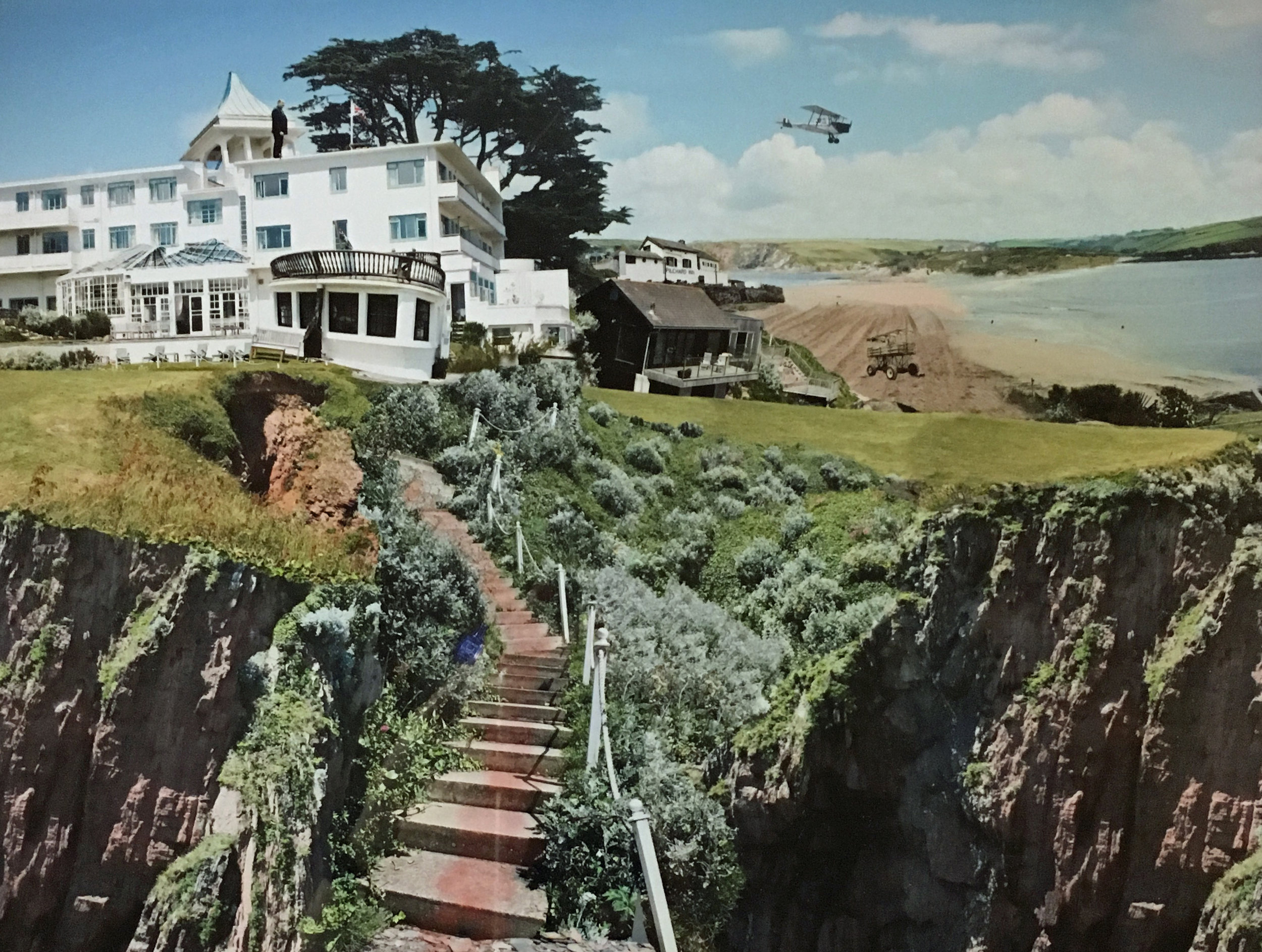Ah, that's more like it! This vintage postcard of a hotel on the British coast makes me want to head to the seaside.
