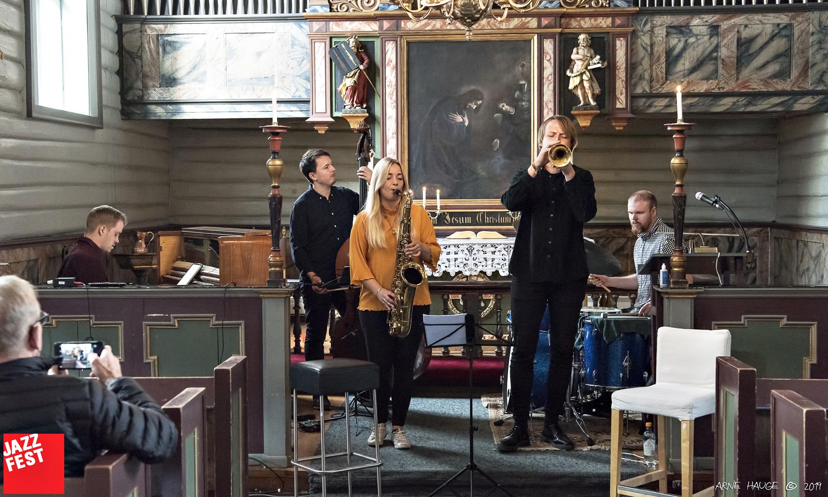 Jazzfilosofisk kafe i Bakke kirke. Foto: Arne Hauge