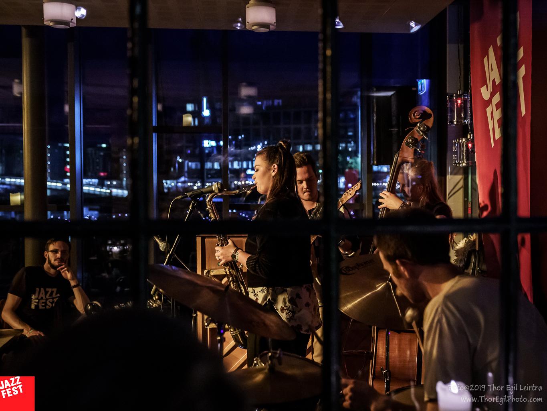 Jam med Elisabeth Lid Trøen i Bar Passiar, Dokkhuset. Foto: Thor Egil Leirtrø