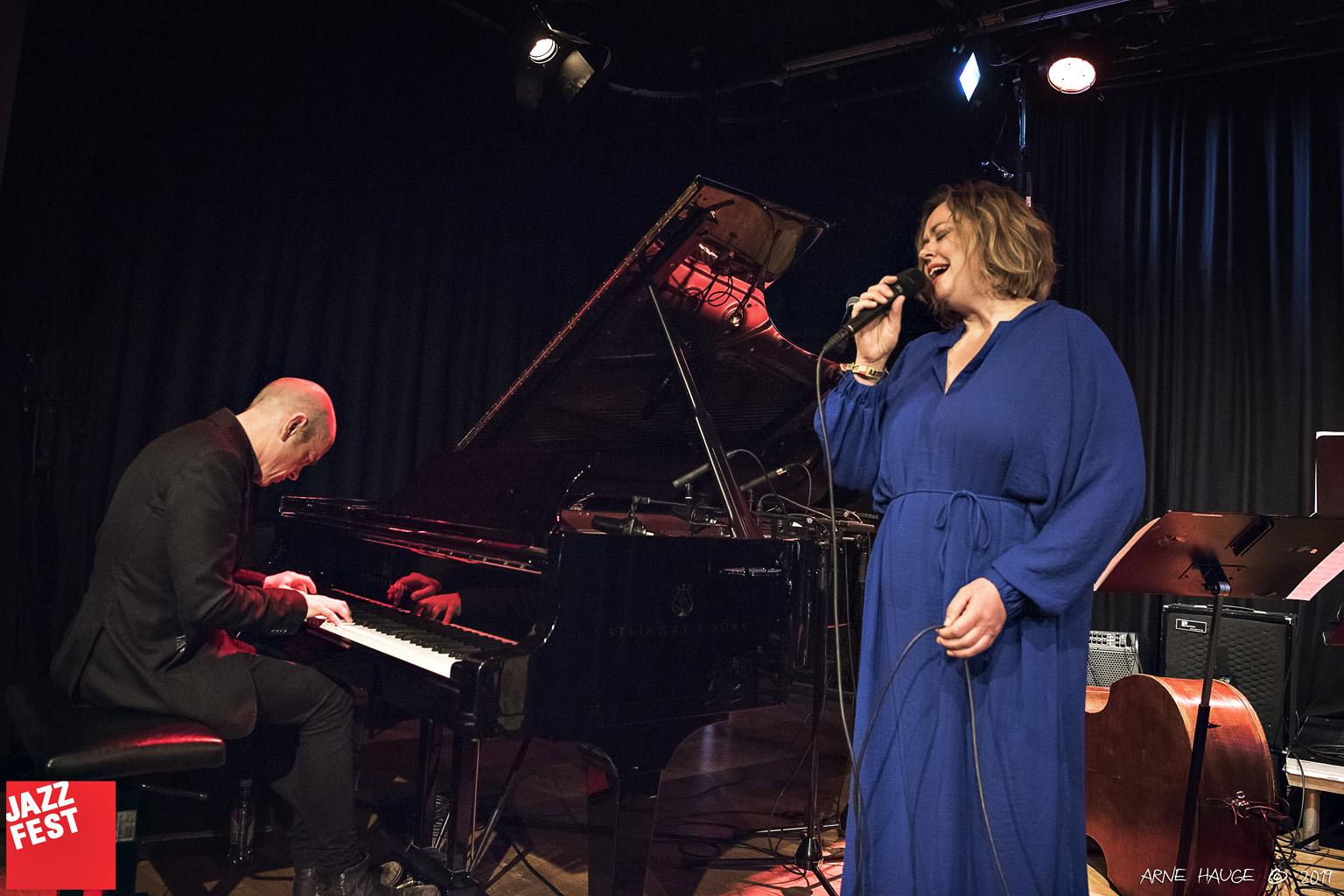Tord Gustavsen og Siri Gjære på NTNU Jazzlinjas festkonsert på Dokkhuset. Foto: Arne Hauge