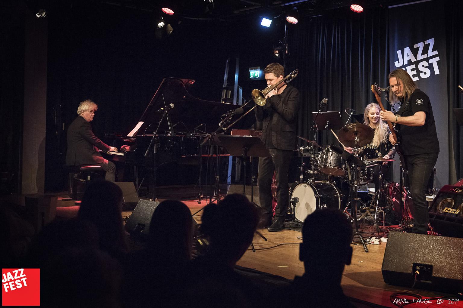 Vigleik Storaas, Christian Jaksjø, Siv Øyunn Kjenstad og Per Mathisen på NTNU Jazzlinjas festkonsert på Dokkhuset. Foto: Arne Hauge