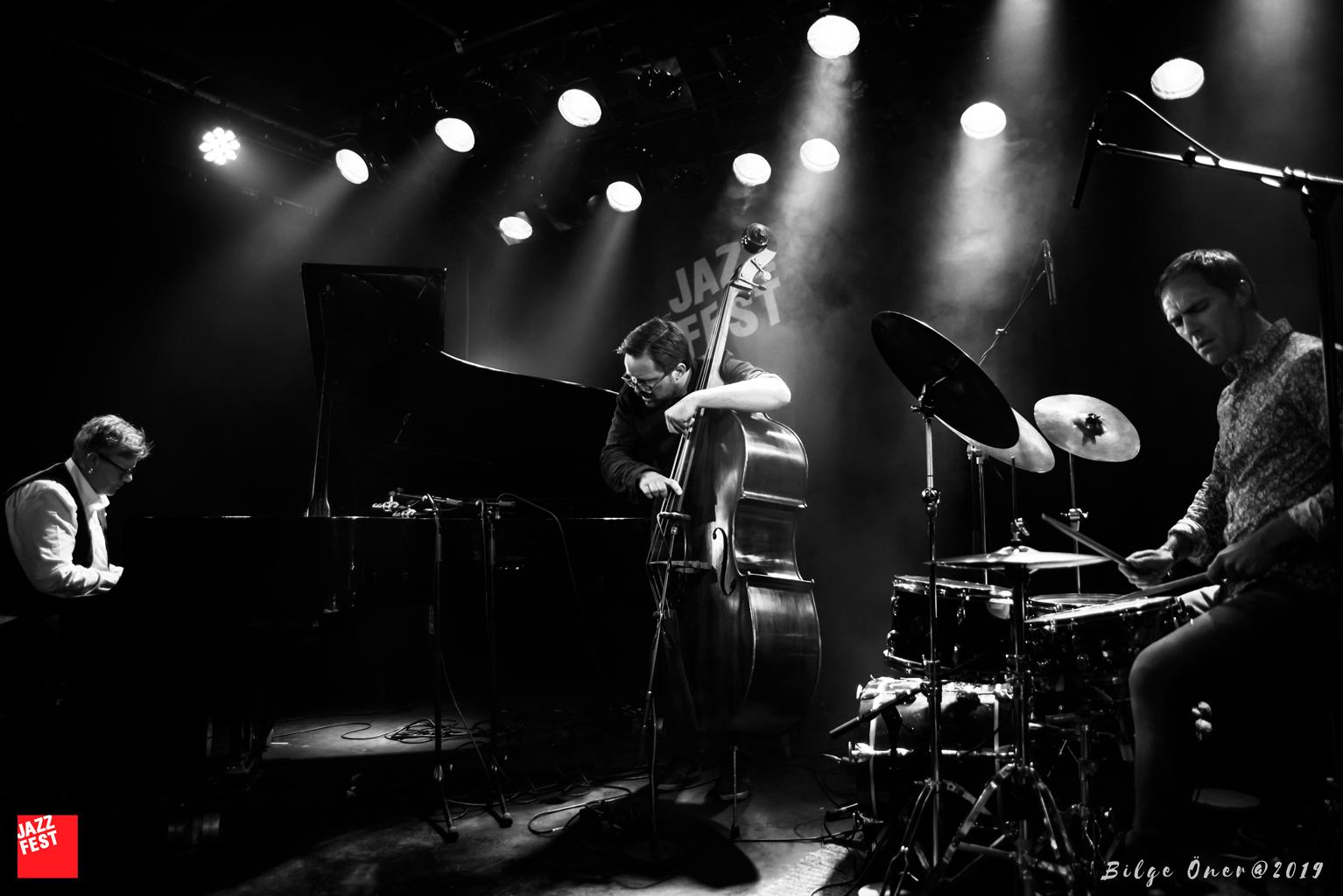 Maria Kannegaard Trio på Samfundet. Foto: Bilge Öner