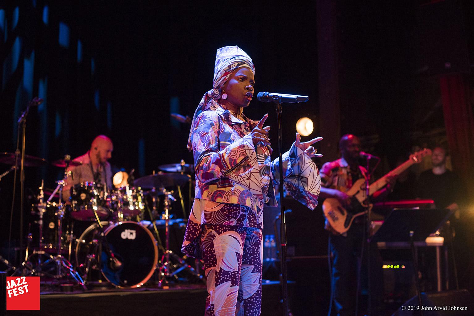 Angélique Kidjo.  Foto: John Arvid Johnsen
