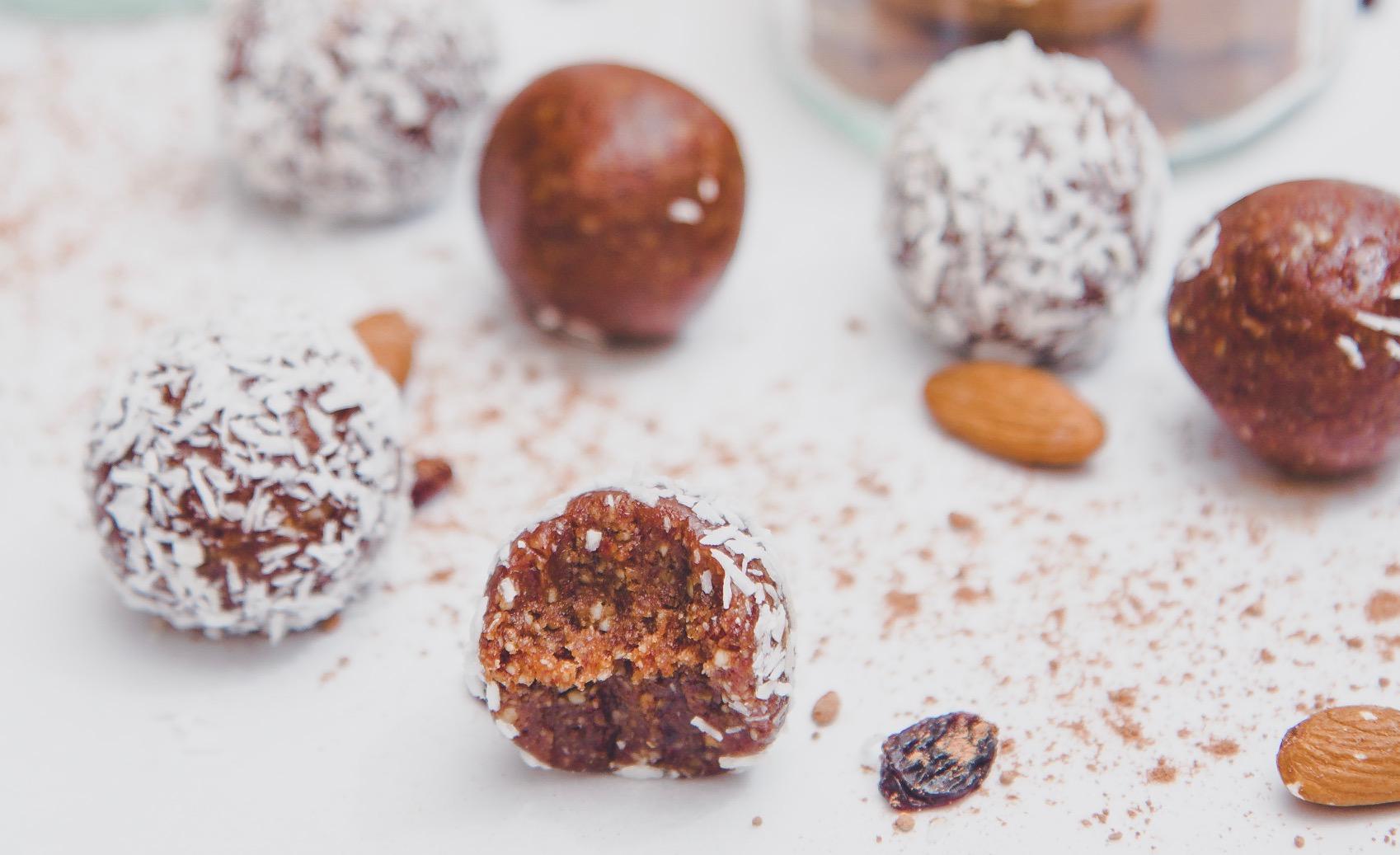 Chocolate fudge energy balls