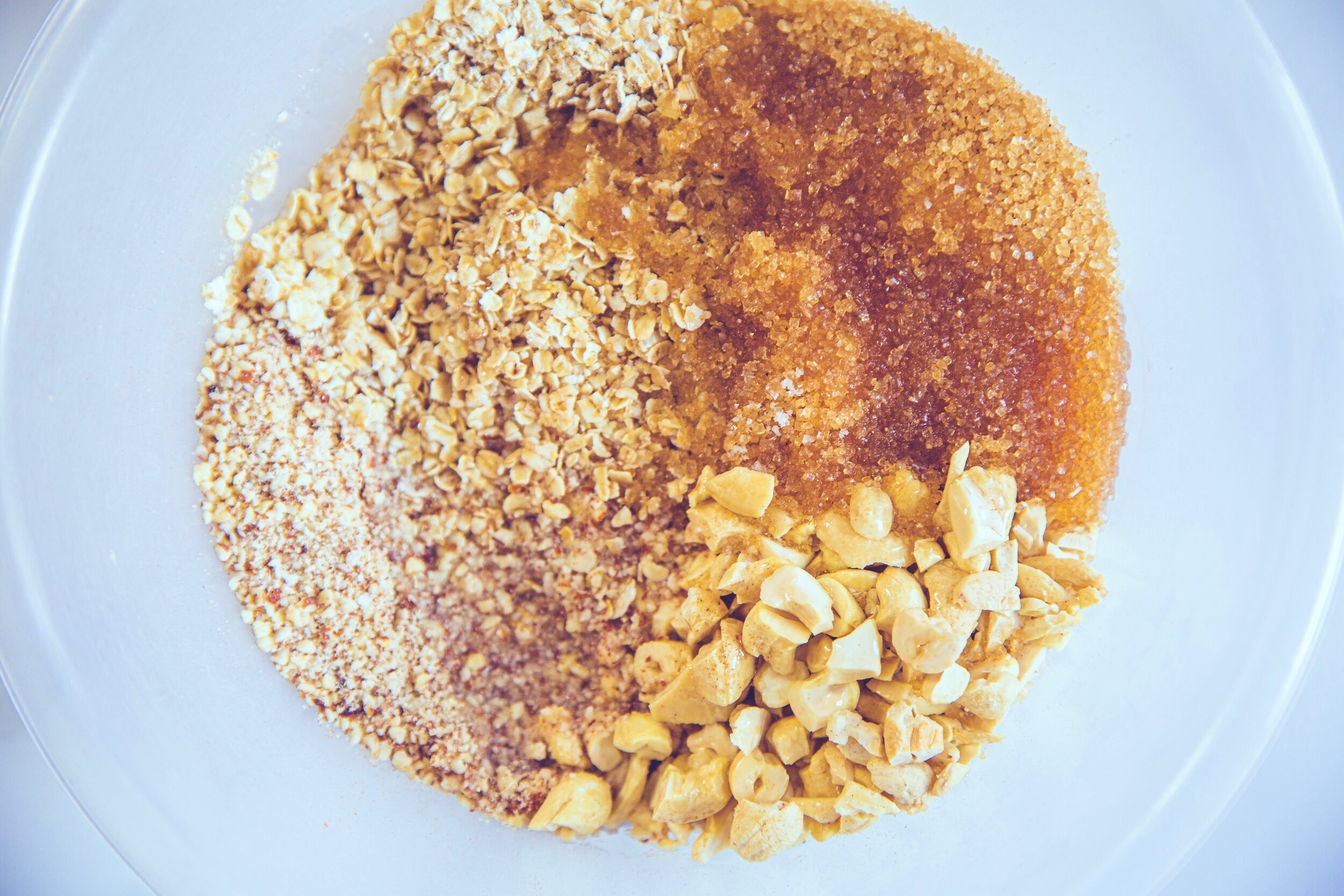 95g 1 cup oats 1/2 cup coconut oil ml? 75g 1/2 cup roughly chopped cashews 125g 1 cup almond meal or sunflower seeds  1/4 tsp sea salt