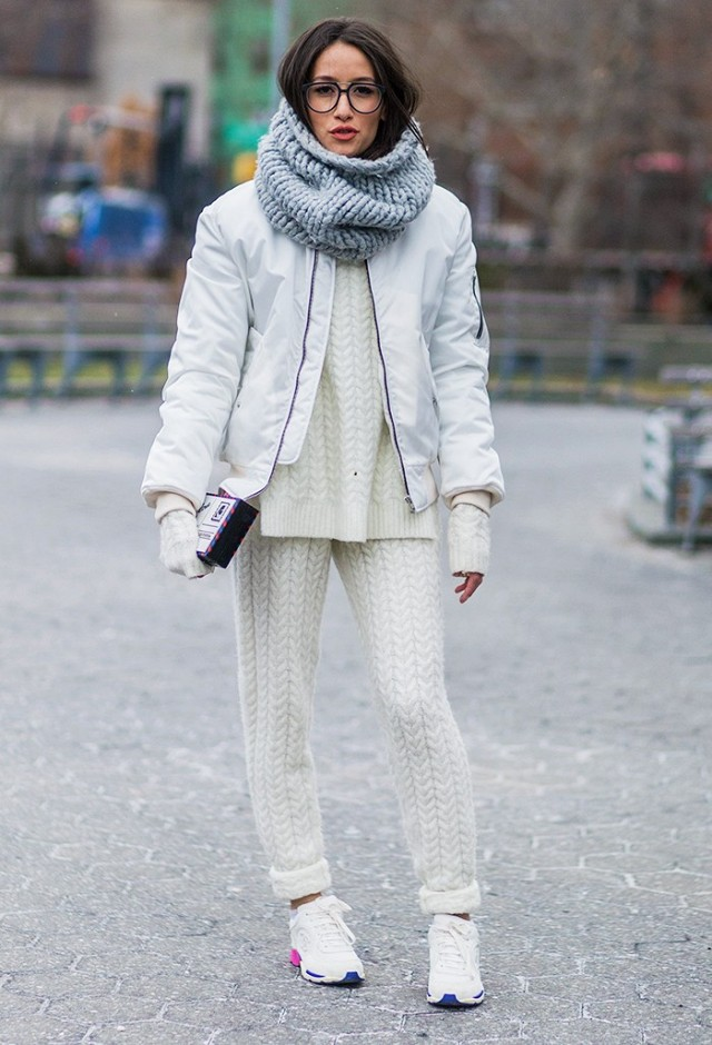 38-outfits-that-prove-a-bomber-jacket-is-the-only-thing-to-own-now-1684737-1457100160.640x0c.jpg