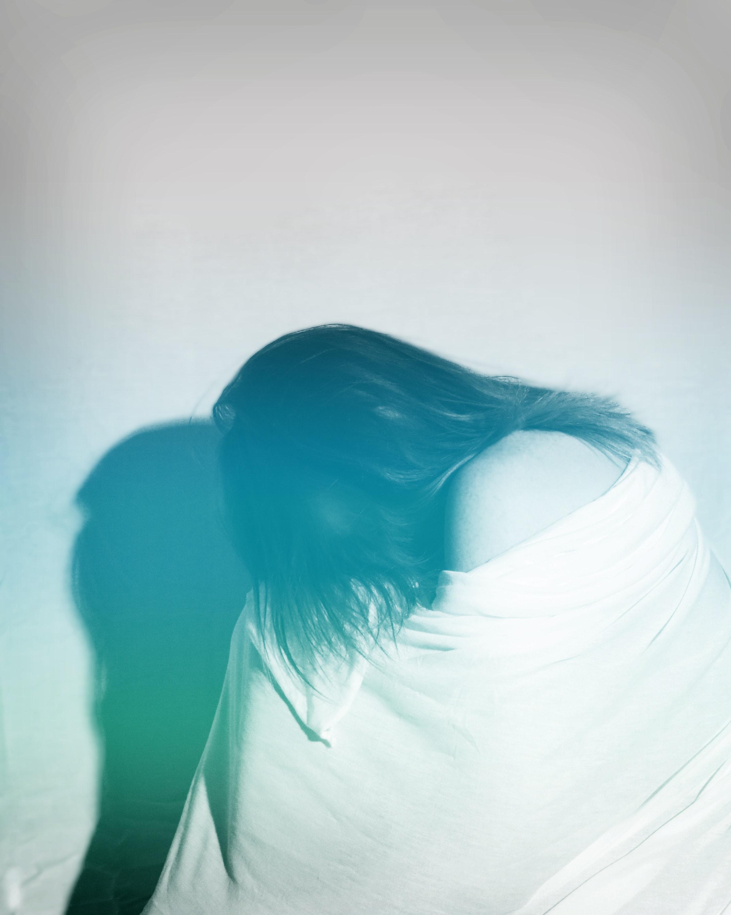 hiding black-and-white-emotion-feelings-89517.jpg