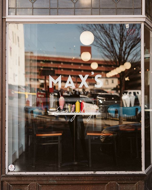 Huge congratulations to our friends at @maxseatery for accomplishing 1 year since their opening. Here's to many more years of the best tots and boozy milkshakes around. 📷:@alyssachristinephotography