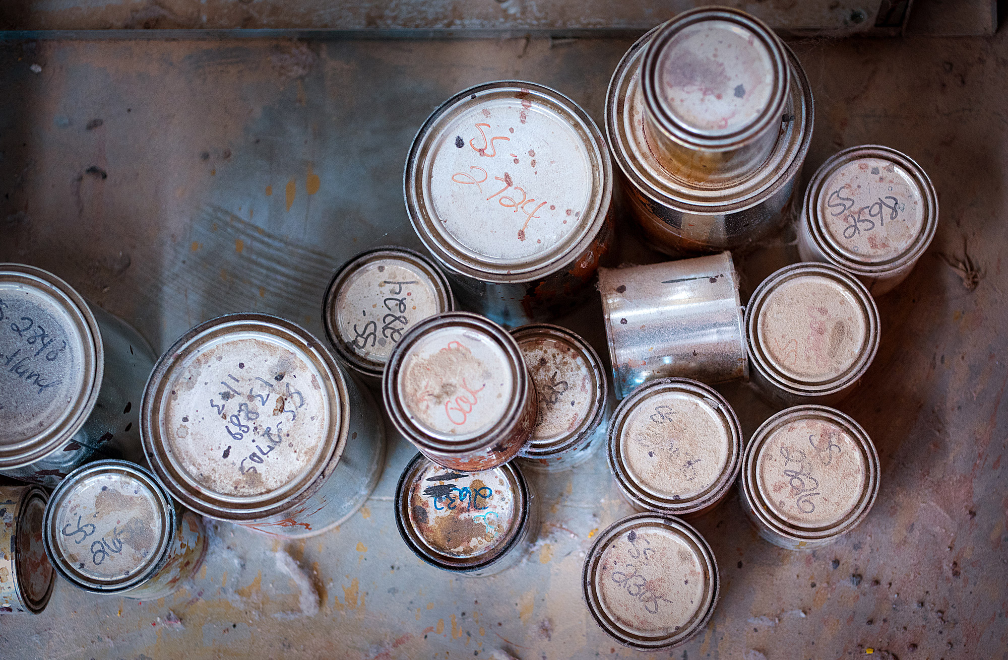 Paint-cans-from-top-01.jpg