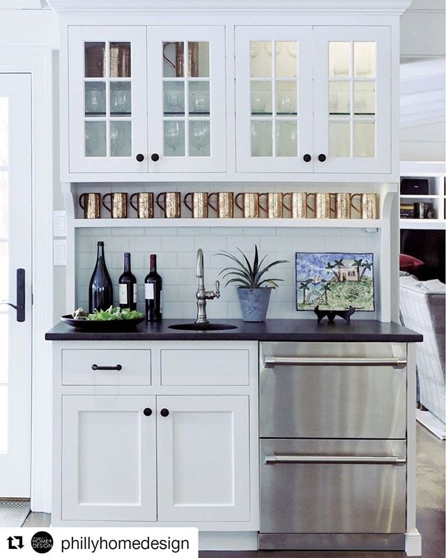 #Repost @phillyhomedesign (@get_repost) ・・・ Thirsty? A wet bar in a central location mixes high style with effortless entertaining, and a splash of lime. @christianafactorystudio • For more inspiration, check out our #linkinbio  #christianafactorystudio #CFS #christianacabinetry #craftsmanshipforlife #CFSadvantage #kitchenbar #kitchengoals #designgoals #customdesign #customcabinetry #moscowmuletime #copperchillsbest