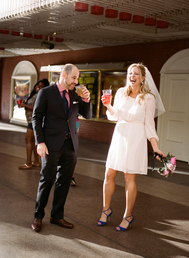 21-bride-groom-laugh-cocktail-vegas.jpg