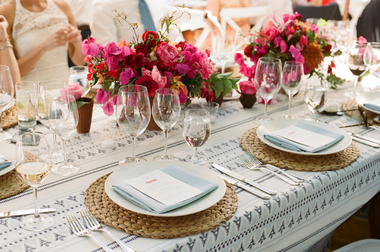 27-moroccan-inspired-tablescape.jpg