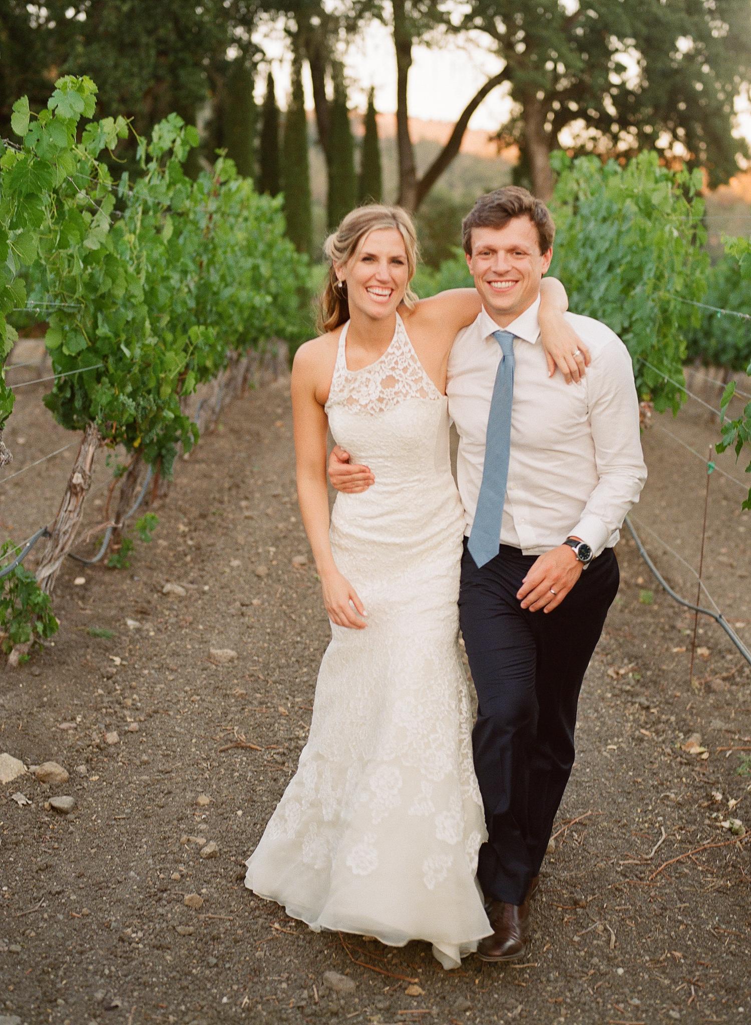 43-bride-groom-vineyard.jpg