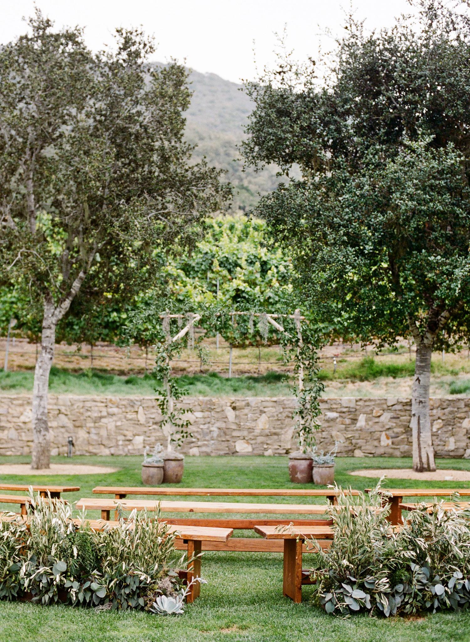 7-green-organic-wedding-ceremony.jpg