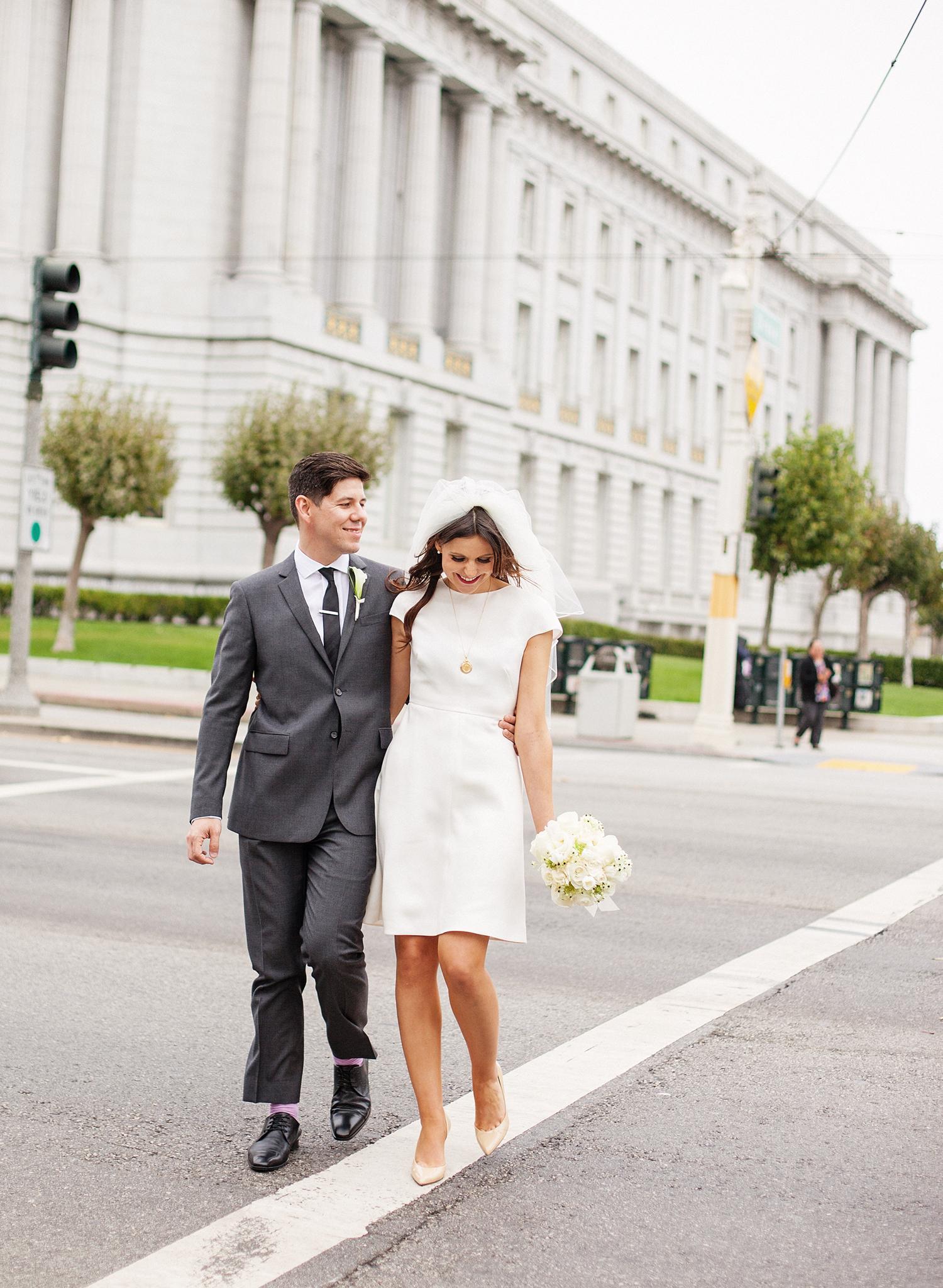 44-jackie-o-look-alike-wedding.jpg