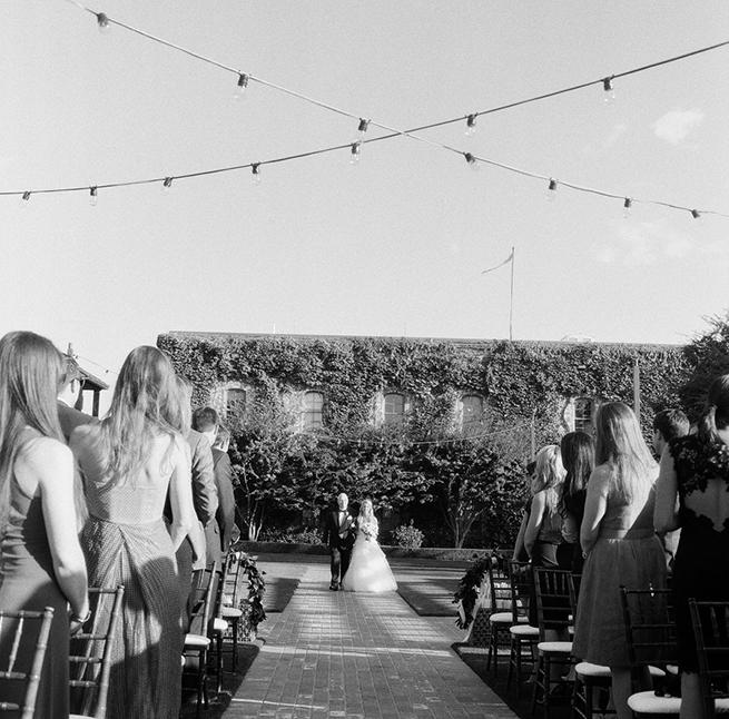 10timeless-vintage-estate-wedding.jpg