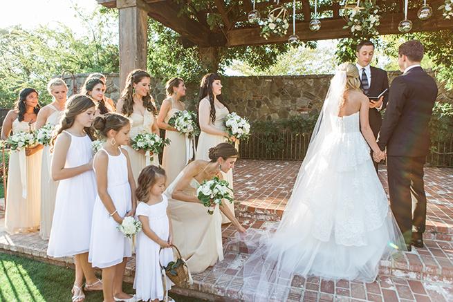 11timeless-vintage-estate-wedding.jpg